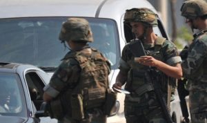 الجيش: تدابير مشددة وتذكير بوقف العمل بتراخيص الأسلحة
