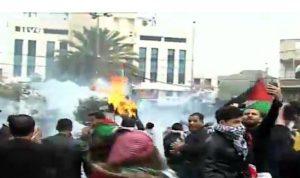 بالصور… اعتداء على الجيش في عوكر دفاعاً عن القدس!