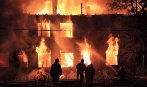 بالصور… قتلى وإصابات حرجة بحريق في نيويورك
