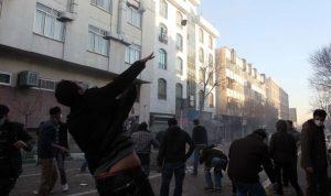 إنتفاضة إيران تتطور… سقوط مراكز محافظات بيد المحتجين