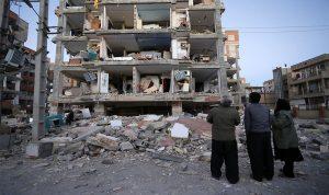قتيلان ومئات الجرحى في زلزال عنيف يهز إيران