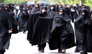 طهران تسمح للأم بمنح الجنسية لأطفالها
