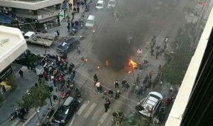 """بالصور والفيديو… مناصرو """"أمل"""" يقفلون بيروت بالإطارات"""