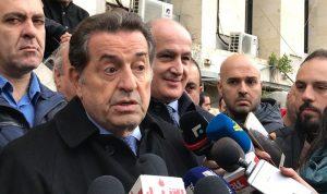 """""""الاعلام"""" يحشد امام قصر العدل… وحرب: عدنا الى الخط السليم"""