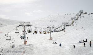 """بلدية كفردبيان للمواطنين: لا تأتوا.. مراكز التزلج """"فوّلت"""""""