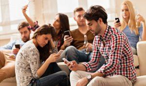 كيف تحارب الإدمان على الهواتف الذكية؟