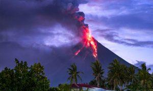 البركان في الفيليبين يسبّب نزوح المزيد من السكان