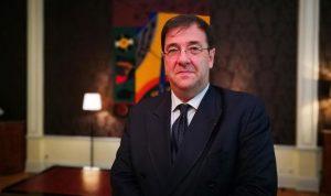 سفير فرنسا جال في المدينة القديمة في طرابلس