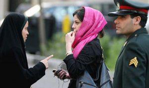 """الحكومة الايرانية لا تؤيد """"القوة"""" لفرض ارتداء الحجاب"""