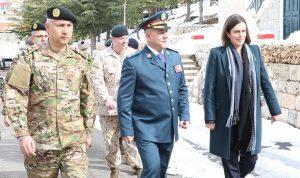 تسلم آليات من السلطات الكندية إلى الجيش