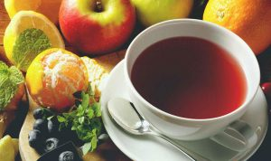 تحذير من تناول الشاي والفواكه بين الوجبات