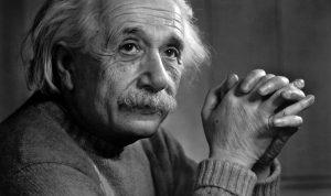 """طفلة تتفوق على ذكاء """"أينشتاين""""!"""