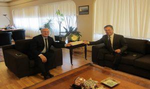 خوري تسلم من سفير ارمينيا دعوة للمشاركة في مؤتمر يريفان