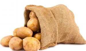مداهمة مستودع لتوضيب البطاطا في البقاع