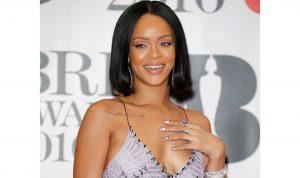 """كم خسرت """"Snapchat"""" بسبب Rihanna؟"""