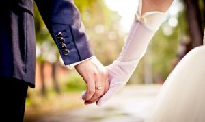 """بالفيديو.. """"كلام بمحلو"""": الزواج المدني بلبنان حرام بس تسجيلو حلال؟!"""