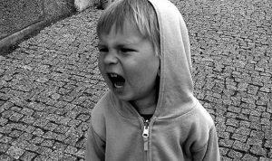 شخصية أطفالكم الحدّية تدفعهم للإنتحار!