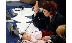 أطفال في مجلس النواب!