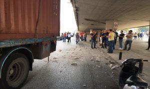 بلدية بيروت تعلق على انهيار جسر الكولا