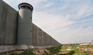 الجيش الإسرائيلي يباشر ببناء جدار الفصل عند الحدود