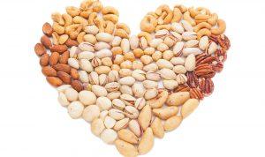 كيف تؤثر المكسرات على القلب؟