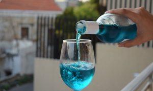 """بعد النبيذ…""""شامباين"""" لبناني أزرق إلى الأسواق قربيا!"""