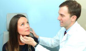 تعثّر البلع… الأسباب والعلاج