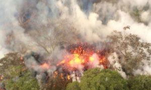 الحمم البركانية تحاصر مواطنين في هاواي