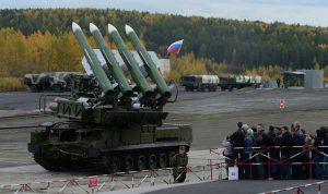 صاروخ روسي أم أوكراني أسقط الطائرة الماليزية؟