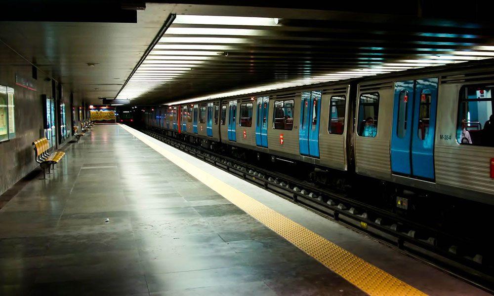 إقفال خمس محطات مترو في كييف
