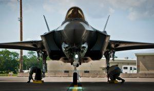 اسرائيل: نحن أول من استخدم الشبح الأميركية إف-35!