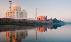 الهند تعيد فتح تاج محل مع انخفاض حالات كورونا
