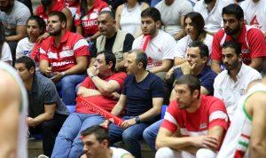 بالصورة: هكذا استقبل لاعبو منتخب لبنان جبران باسيل