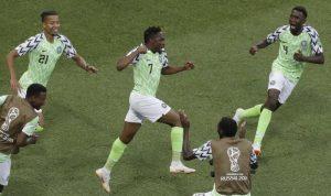 نيجيريا تحيي آمال الأرجنتين بالتأهل!!