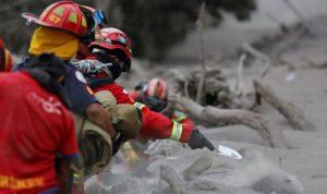 كارثة في غواتيمالا… قتلى ومفقودون إثر ثوران بركان (بالفيديو والصور)