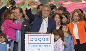 فوز اليميني دوكي بالانتخابات الرئاسية في كولومبيا