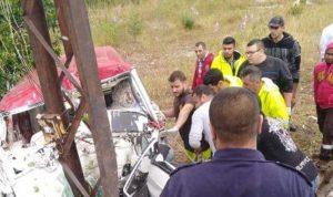 بالصورة… جريح نتيجة اصطدام سيارته بعمود الإنارة