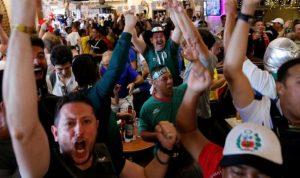 كيف يمكن لأداء المكسيك في كأس العالم أن يبني جسرا فوق الحدود الأميركية؟