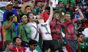 فازت المكسيك على ألمانيا… فطلب يدها للزواج (بالصورة)