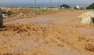 السيول تجتاح القاع… ورئيس البلدية يناشد المعنيين