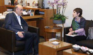 جعجع يبحث النزوح السوري مع ممثلة المفوضية للاجئين