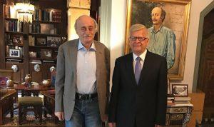 جنبلاط عرض الأوضاع العامة مع السفير الروسي