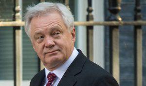 وزير بريكست ديفيد ديفيس يستقيل من منصبه