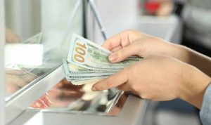قرارات الحكومة الاعتباطية ادت الى تراجع ودائع المصارف بقيمة 28 مليار