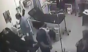 بالفيديو: التفلت تابع… اعتداء وحشي على طبيب في راس بعلبك!