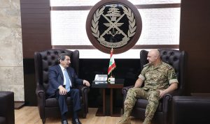 قائد الجيش عرض مع الفرزلي الأوضاع العامة