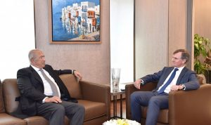 مخزومي عرض الأوضاع العامة مع السفير البريطاني