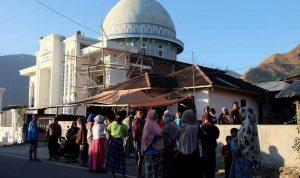 بالصور: قتلى وجرحى جراء زلزال اندونيسيا