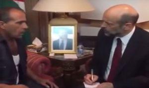 أردني ألقى بنفسه من شرفة مجلس النواب… فماذا أراد؟ (بالفيديو)