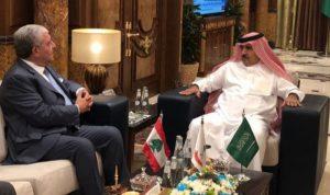 ماذا بحث المشنوق مع رئيس الاستخبارات السعودية؟